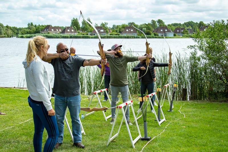 Vrijgezellenuitjes in Friesland: Handboogschieten