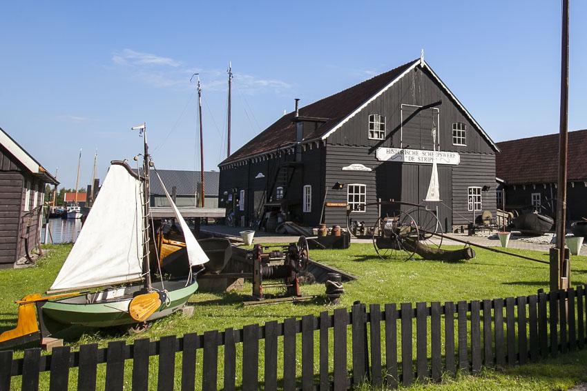 Tijdens de familiedag in Friesland naar het skûtsjemuseum.